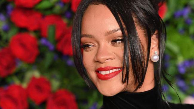 Rihanna Masuk Dalam Daftar Perempuan Terkaya versi Forbes