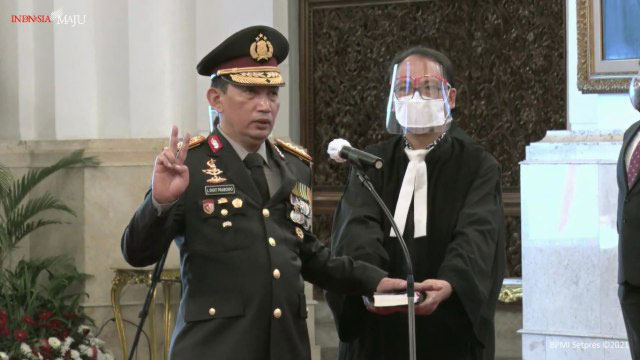 Jokowi Resmi Lantik Komjen Listyo Sigit sebagai Kapolri