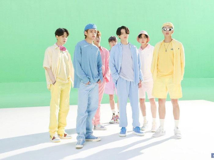 Kostum BTS di Video Klip 'Dynamite' Terjual Rp 2,2 Miliar