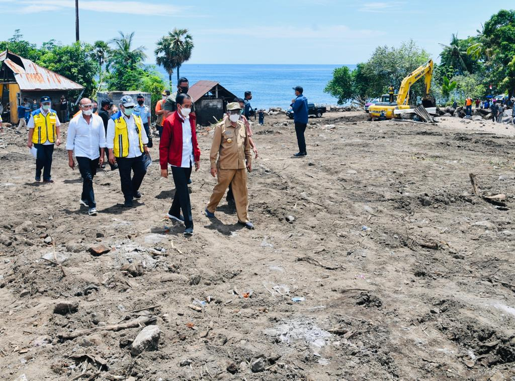 Kunjungi Lembata, Presiden Jokowi Pastikan Kebutuhan para Pengungsi Tercukupi