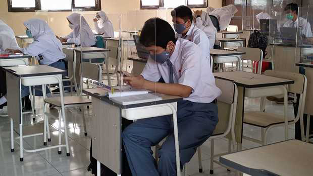 Kondisi Memburuk, Sekolah Tatap Muka di DKI Jakarta Dihentikan