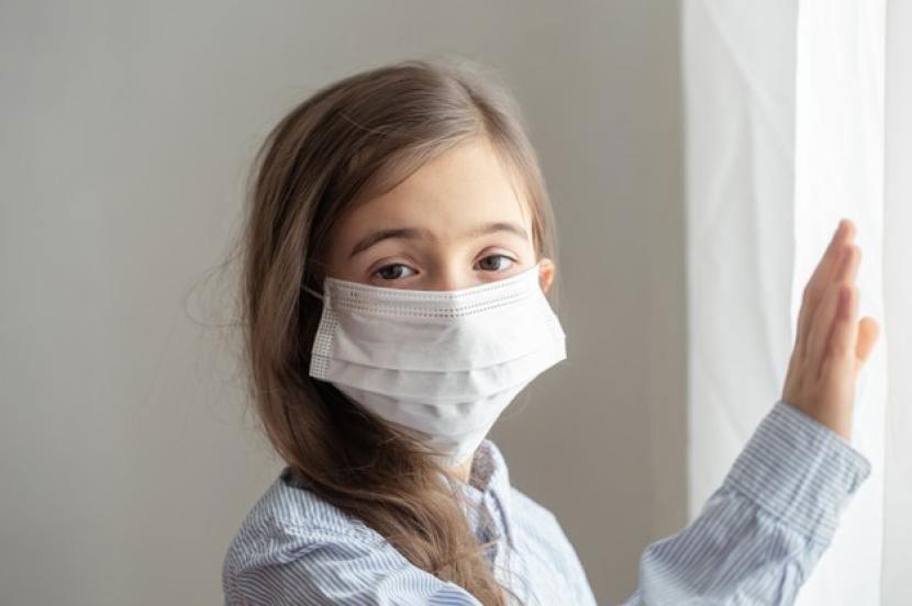 Kapan Anak Harus Dibawa ke Rumah Sakit Saat Isolasi Mandiri?
