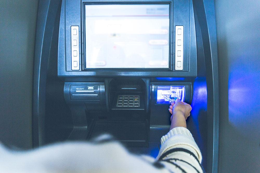 Bulan Desember, Biaya Transfer Antar Bank Turun Menjadi Rp2.500